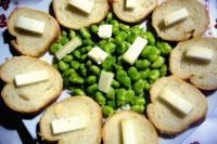 Salad of broad beans and pecorino cheese