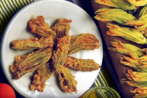 fried pumpkin flowers