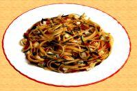 Trenette mit Seebarsch und Oliven