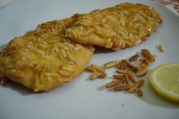 Chicken cutlets with almonds