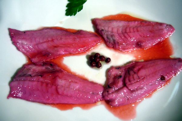Marinated red mullet with Pomegranate