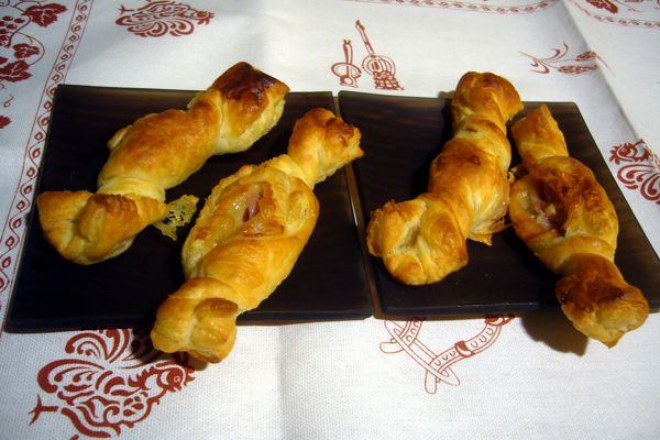 puff pastry sweets with prosciutto and Brie