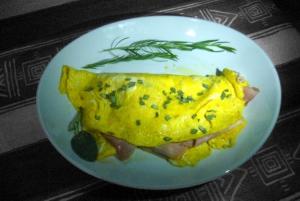 Omelette mit Schinken und Käse