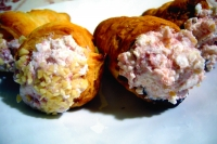 Small savory cones with ham mousse