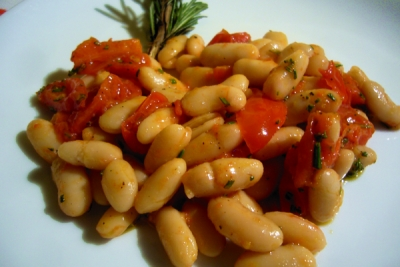 cannellini beans and cherry tomatoes datterini