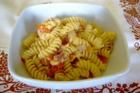 Fusilli with carbonara peppers