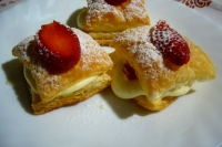 Millefeuille mascarpone and strawberries